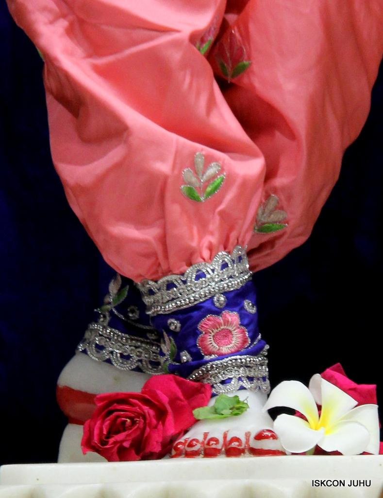 ISKCON Juhu Mangal Deity Darshan on 30th Sep 2016 (33)