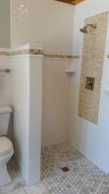 Bathrooms - 20150825_113958.jpg