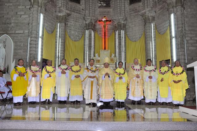 Thánh lễ tạ ơn 40 năm linh mục Cha Giuse Lê Văn Sỹ, Tổng Đại Diện Giáo Phận Nha Trang