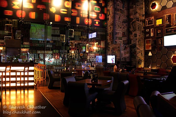 Interior of Toss Sports Lounge Koregaon Park