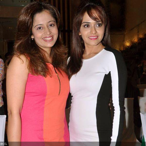 Neha Pendse and Amruta Khanvilkar together present a pretty image at the press meet of MIFTA Awards, held in Mumbai, on May 27, 2013. (Pic: Viral Bhayani)