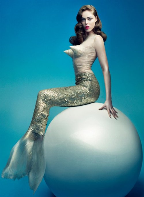 Mermaid Ball, Mermaids