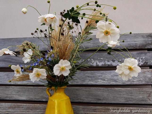 anemone bouquet 2