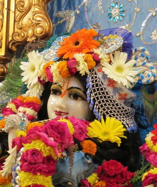 ISKCON Vallabh vidhyanagar Deity Darshan 18 jan 2017 (9)