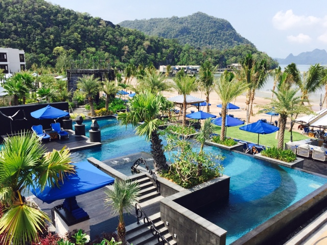 Adventure Under The Sun Juxtaposed Against Breathtaking Views Beyond Lagoon Http Langkawi Hotels Consolidator My Hotel St Regis Htm