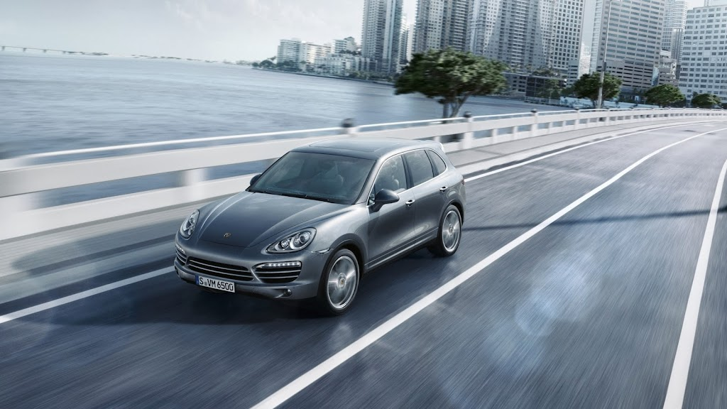 2014-Porsche-Cayenne-Platinum-03
