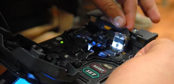Cara Splicing Fiber Optik Dengan Mudah dan Benar
