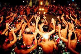 1280px-Bali-Danse_0721a