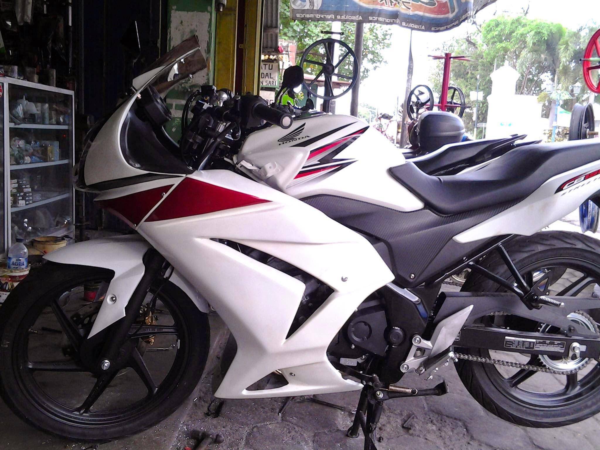 Foto Modifikasi Motor Honda Cb150r Full Fairing Terunik Sodo