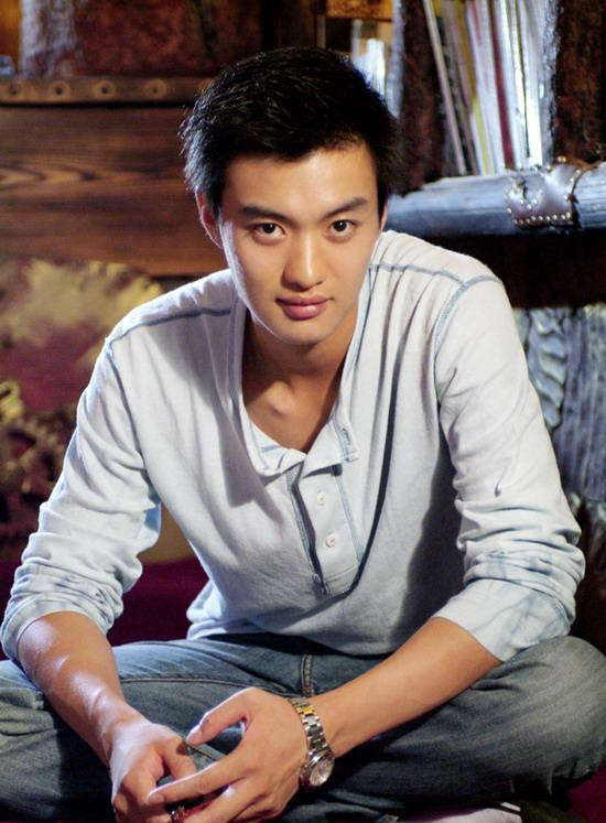 Zhou Yiwei China Actor