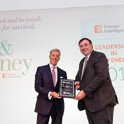 Presentation of the Award for Leadership in New Energy.jpg