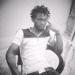 user Damian Robert Khalifa apkdeer profile image