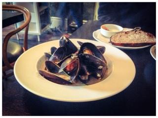 Boralia e'clade or mussels