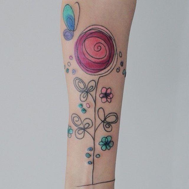 este_resumo_aquarela_flor_da_tatuagem