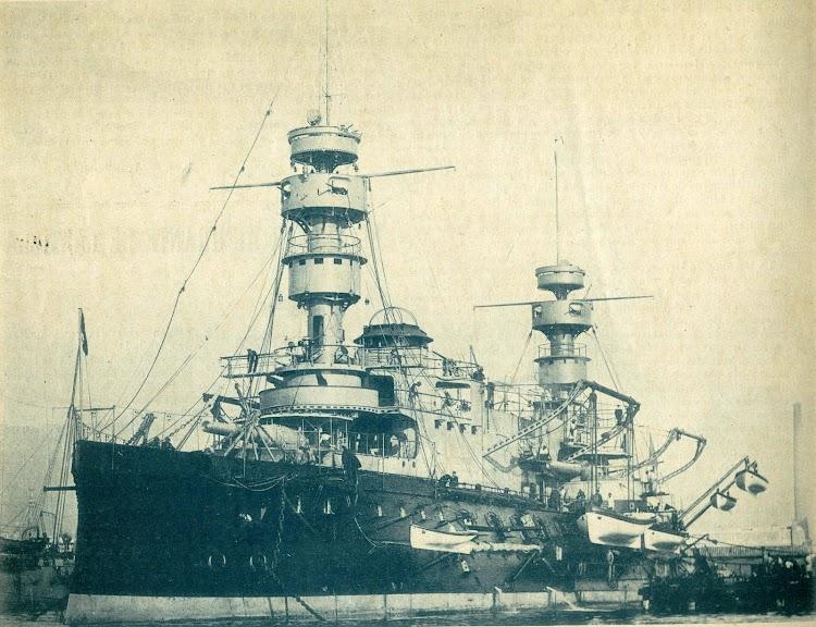 3- Acorazado MAGENTA. De la serie de la Marine Nationale francesa en la que se basaba el diseño del PELAYO. Revista El Mundo Naval Ilustrado. Año 1897.JPG