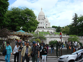 Our first view of Basilique du Sacre-Coeur. It is a spectacular building in a spectacular setting.