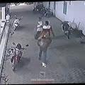 Pelaku Curanmor di Musala Al-Imron BetekTerekam CCTV, Ini Ciri-cirinya