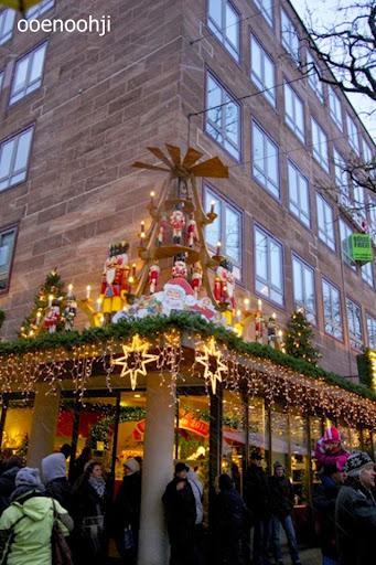 ドイツ・クリスマスグッズを売っているお店