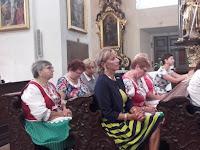 A szentmise résztvevői.jpg