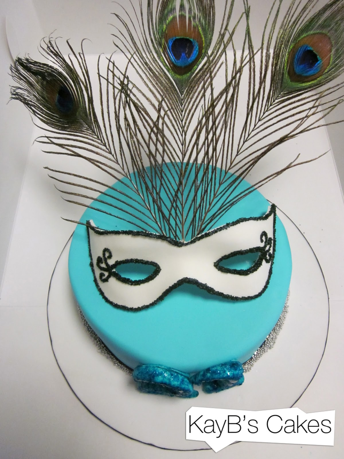 Masquerade Cakes And Cupcakes