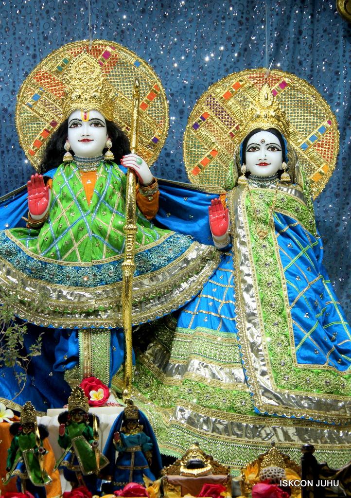 ISKCON Juhu Mangal Deity Darshan on 20th Jan 2017 (4)