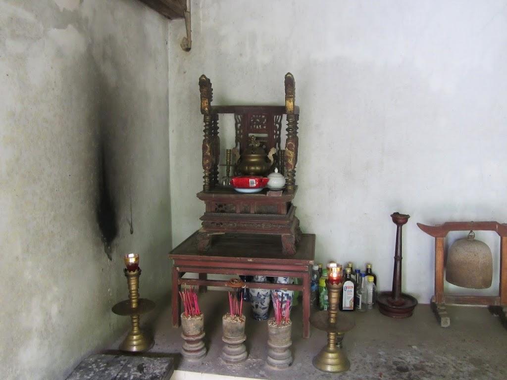 0031Ngo_Quyen_Temple
