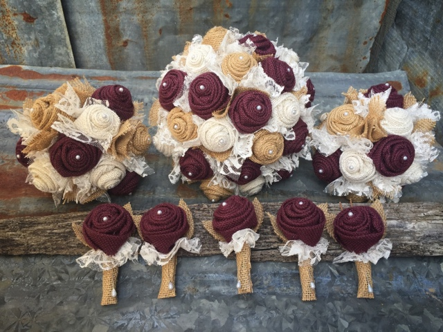 burlap bouquets and boutonnieres