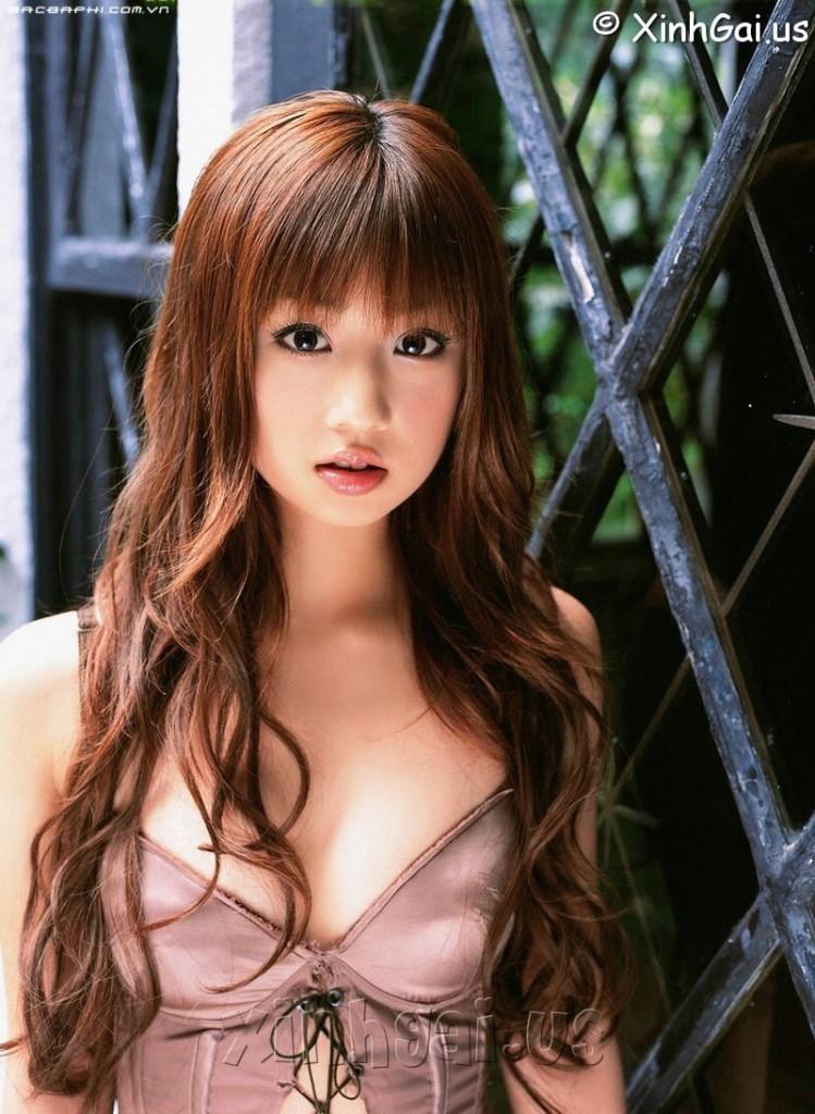 Yuko-Ogura - Click here to view Full Image