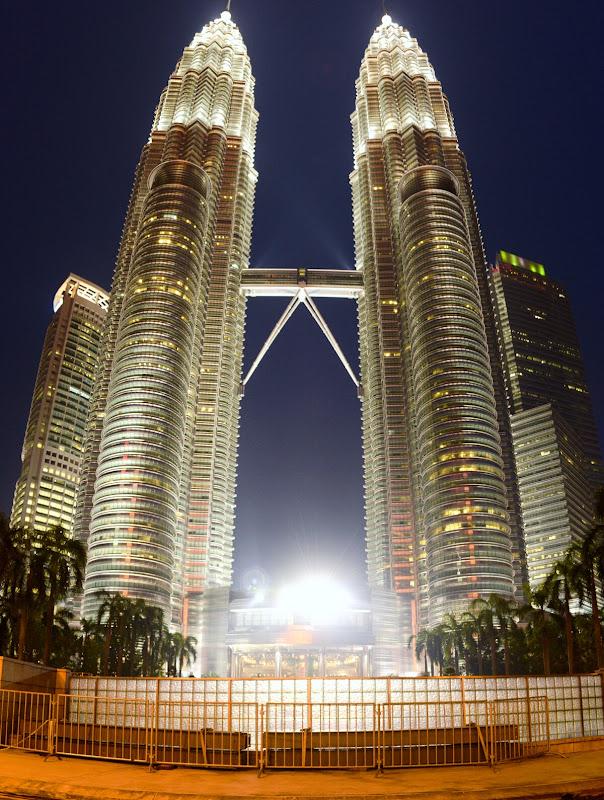 Petronas Towers Башни Петронас ночью