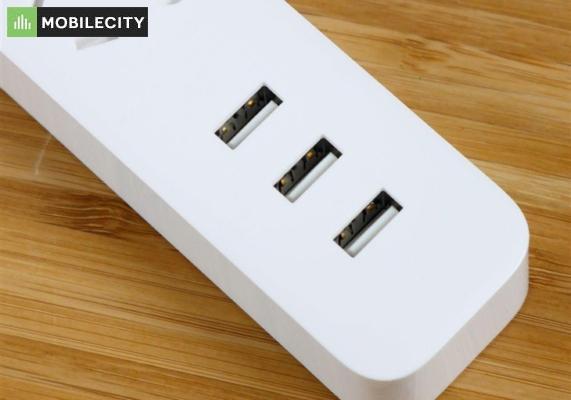 3 cổng để cắm thêm USB tiện lợi cho mi Power strip