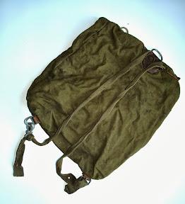 Rugzag van Duitse soldaat. Mee teruggenomen door die soldaat uit Russisch krijgsgevangenkamp. http://www.secondworldwar.nl/enschede/