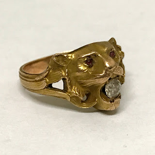10K And Stone Lion Head Ring