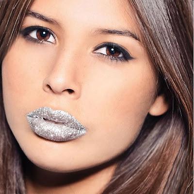 StyleBuzzUK - Glitter Lips