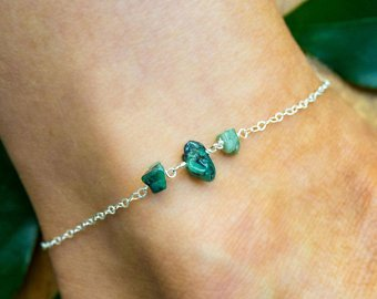 THE BEST CRYSTAL ANKLETS ACCESSORIES FOR CHIC WOMEN 3