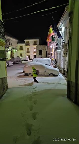 Espesa capa de nieva en Bacares. /Foto: Consuelo Medina Fernández