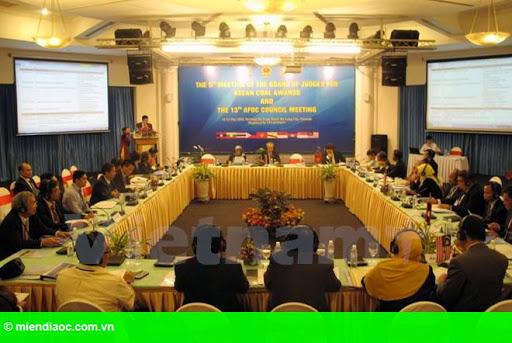 Hình 2: Diễn đàn Than ASEAN 13 chính thức khai mạc tại Hạ Long