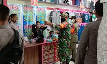 Jelang Lebaran, Koramil Pinoh : Berbelanja Wajib Patuhi Prokes