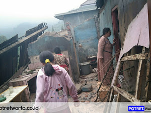 Akibat gempa rumah roboh dan masjid rusak di tutur