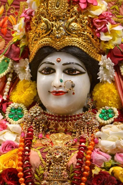 ISKCON Juhu Deity Darshan 28 Mar 2016  (16)
