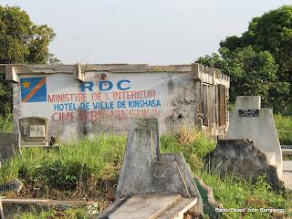 Bâtiment administratif du cimetière de Kinsuka le 20/02/2013 à Kinshasa. Radio Okapi/Ph. John Bompengo