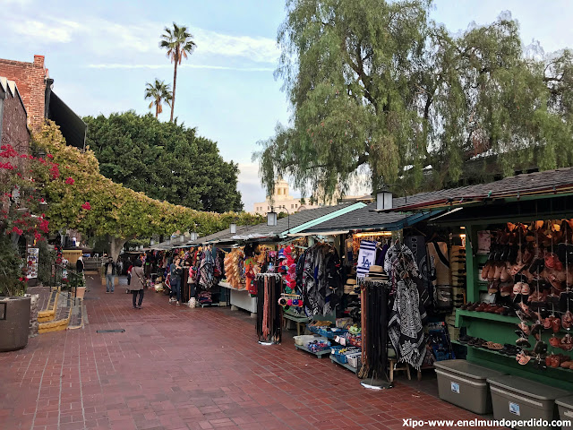 mercadillo-olvera-street-los-angeles.JPG