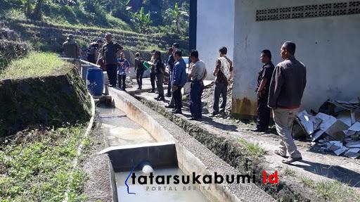DLH Kabupaten Sukabumi Cek Pembuangan Limbah PT Daehan Global // Foto : Isep Panji