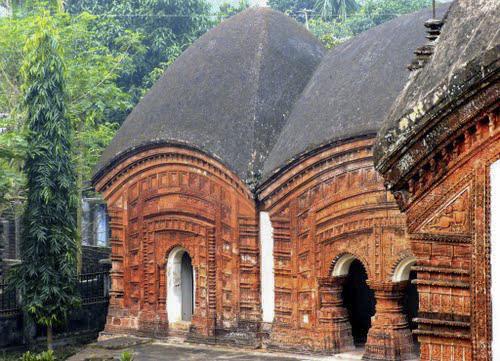 Anni Temple at Puthia