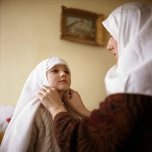 Jilbab Mengekang Kebebasan Anak, Benarkah ?
