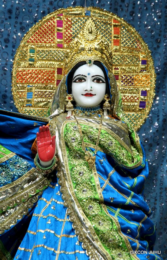 ISKCON Juhu Mangal Deity Darshan on 5th Sep 2016 (12)