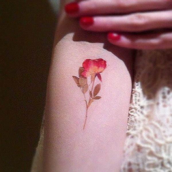 realista_pressionado_flor_da_tatuagem
