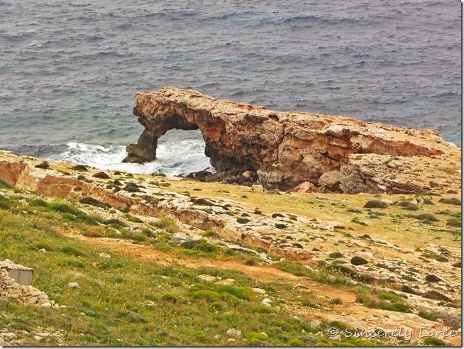 Tal-Hamrija arch