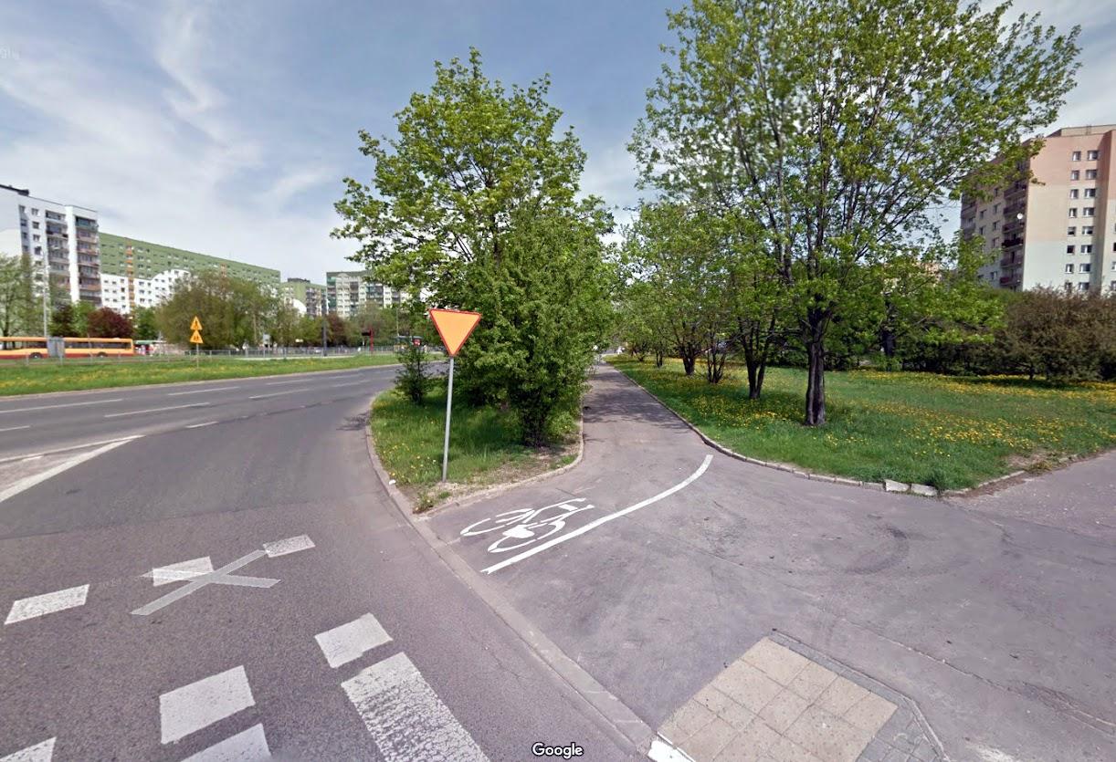 Widok nieistniejącej już asfaltowej drogi dla rowerów