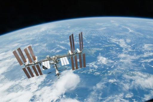«Yià sas Αθήνα»: Τι ώρα θα είναι ορατός δια γυμνού οφθαλμού ο Διεθνής Διαστημικός Σταθμός!