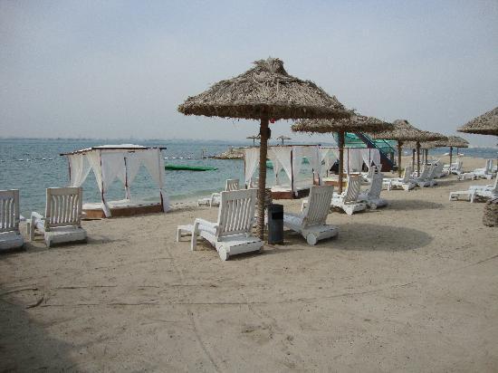 Bahrain - Isla de Aldar beach  (photo-Caroll Cabrera)